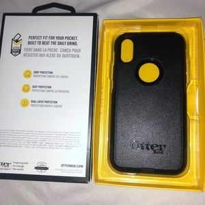 New black otter box for iPhone X/XS
